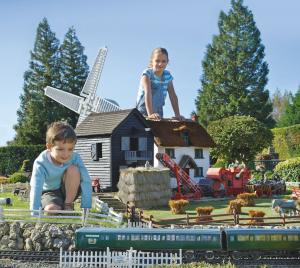 bekonscot-model-village-railway-beaconsfield